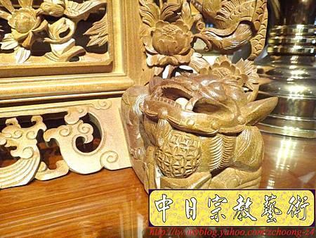 E6812.客家大牌雕刻 雙獅祖先牌位雕刻 肖楠木公媽牌製作.JPG