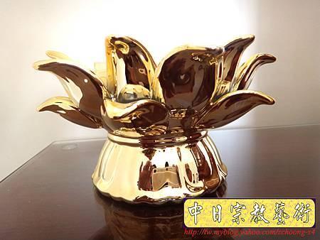 F3301.蓮花陶瓷燭台.JPG