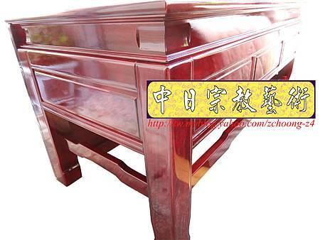 K2410.神桌訂做 土地公廟桌 麒麟雕刻貼金箔製做.JPG