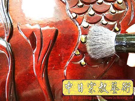 K2417.神桌訂做 土地公廟桌 麒麟雕刻貼金箔製做.JPG