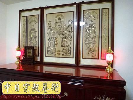 N20212.台灣肖楠木神桌 鑲貝佛桌 雷射雕刻11尊木雕神聯.JPG