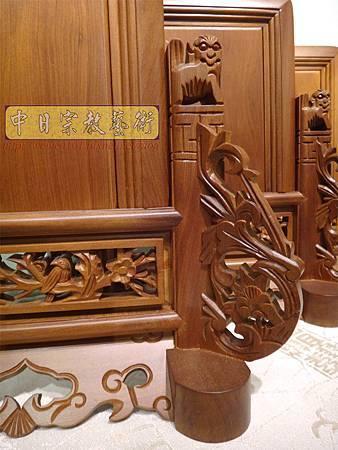 E8007.台灣梢楠木客家大牌 祖先牌位雕刻 雙獅祖牌.JPG