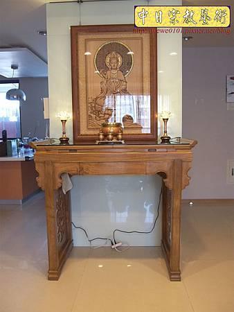 N23701.現代神桌樣式 柚木佛桌 觀世音菩薩3D雕刻 水晶蓮花燈 高級香爐.JPG