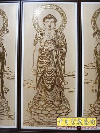 A7904.西方三聖木雕佛桌背景 心經木雕 佛堂神桌聯對.JPG