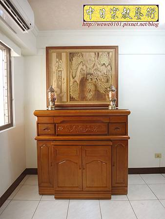 N26401.四尺二櫃型神桌佛桌 關聖帝君龍圖神桌背景.JPG