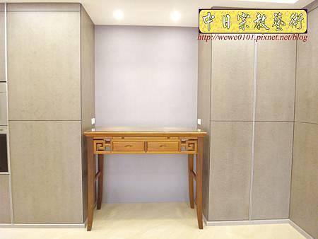 M15004.系統櫃佛堂設計 神桌空間 彎角四尺二柚木神桌.JPG