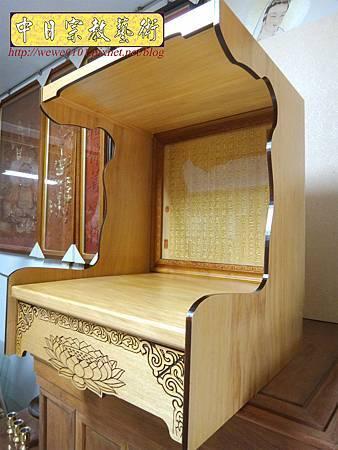 M15101.壁掛式神桌 實木掛櫥 吊櫥 神龕佛龕製作.JPG