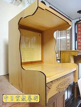 M15108.壁掛式神桌 實木掛櫥 吊櫥 神龕佛龕製作.JPG