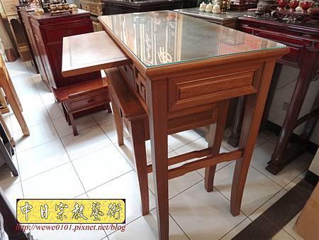 M15210.彎腳佛桌樣式 柚木4尺2神桌.JPG