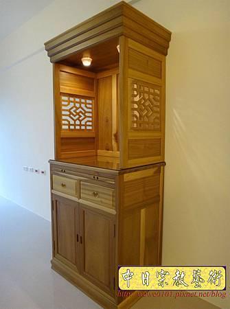 M15302.現代神櫥設計 佛櫥製作 實木2尺9公媽櫥.JPG