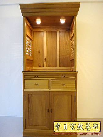 M15307.現代神櫥設計 佛櫥製作 實木2尺9公媽櫥.JPG
