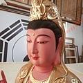 L5909.極緻神桌佛像雕刻~觀世音菩薩木雕佛像 極彩描金製做.JPG