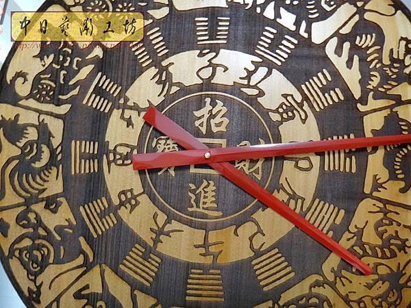 H15205.木雕掛鐘 八掛鐘 實木雕刻製作.JPG
