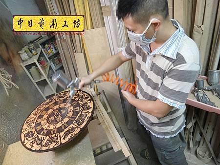 H15208.木雕掛鐘 八掛鐘 實木雕刻製作.JPG