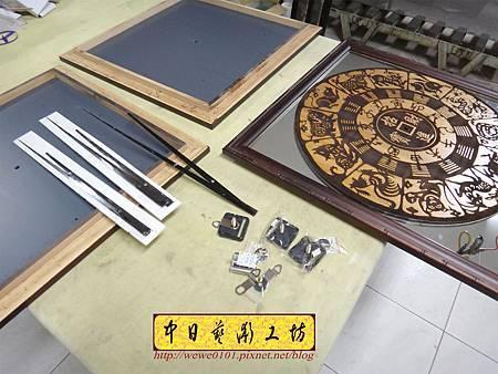 H15210.木雕掛鐘 八掛鐘 實木雕刻製作.JPG
