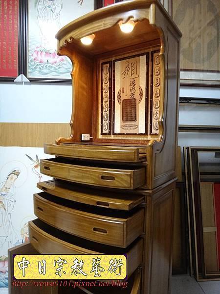 E8817.居家小公媽櫥 2尺28小公媽櫥 肖楠木祖先牌位 水晶蓮花燈.jpg