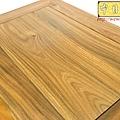 E13103二尺寬三尺半高綠檀公媽桌.jpg