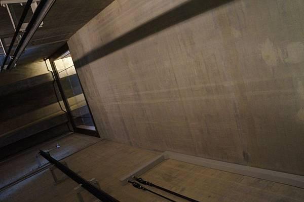 DSC00130 -- Day 1 -- 開天窗電梯.JPG