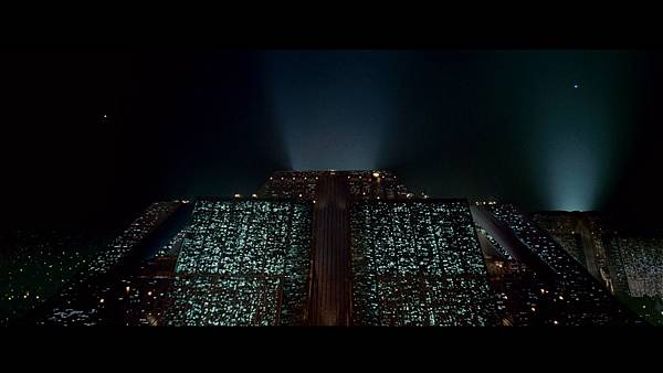 large_blade_runner_final_blu-ray_1x