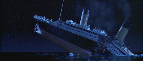 Titanic_breaks_inhalf