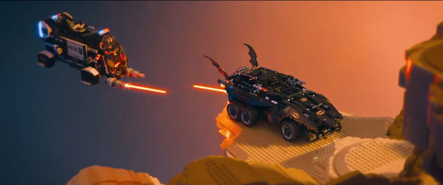 The_Lego_Movie_trailer_2_screencap_39_Batmobile