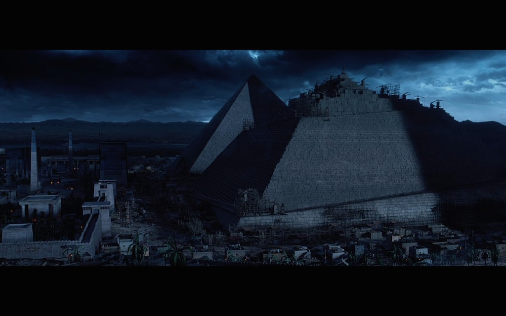 exodus-gods-and-king-movie-screenshot-pyramids