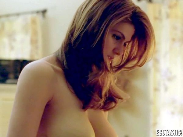 high-res-screencaps-of-alexandra-daddario-topless-scene-in-true-detective-10-600x450-alexandra-daddario-s-hottest-on-screen-moments-jpeg-301349.jpg