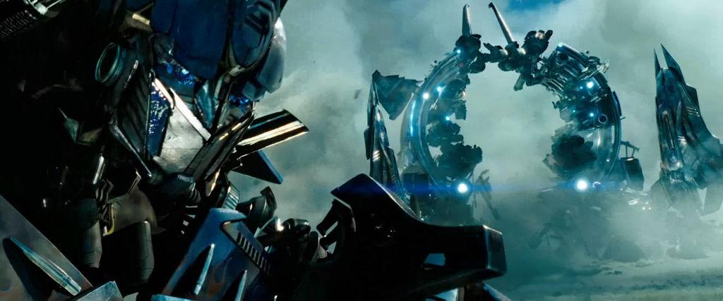 ..........Dotm-optimusprime-film-weaponrack.jpg