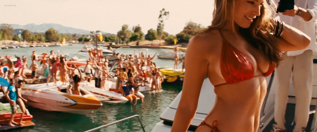 Kelly-Brook-nude-full-frontal-Jessica-Szohr-hot-and-Riley-Steele-nude-Piranha-3D-2010-hd1080p-1