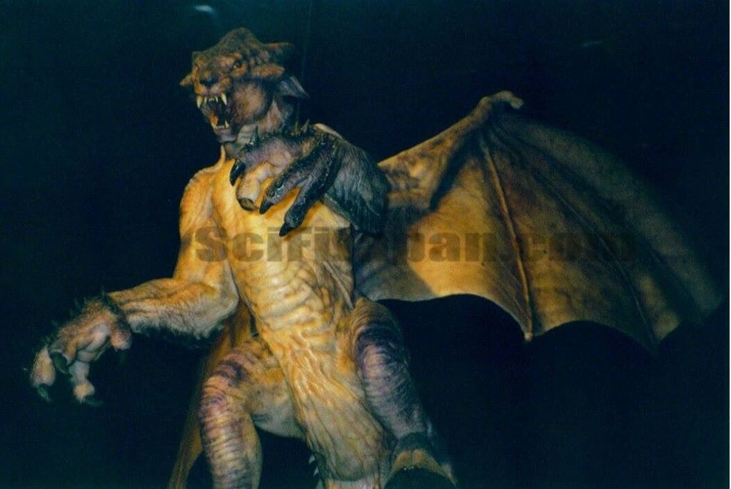 .....C2H8ktFWEAEqiH-(unmade 1994 American Godzilla film)(The Gryphon can modify Probe Bats to collect animals , absorb genetic material from different creatures to build a new body.).jpg