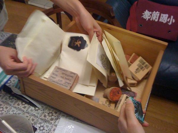Queenie_stamp class20101014.jpg