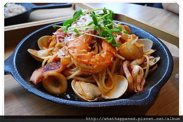 蘆洲 番茄海鮮義大利麵