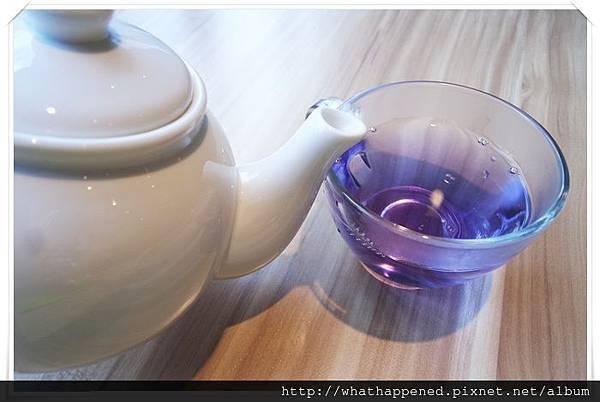 台北 蝶豆花茶