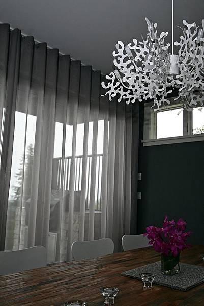 《華之逸窗簾》窗簾推薦 紗簾營造特殊氛圍