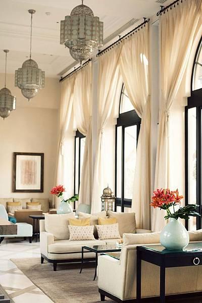 窗簾挑高白紗.jpg