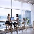 辦公室白色捲簾.jpg