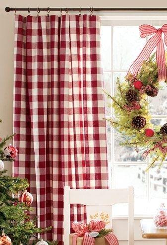 紅白格紋窗簾