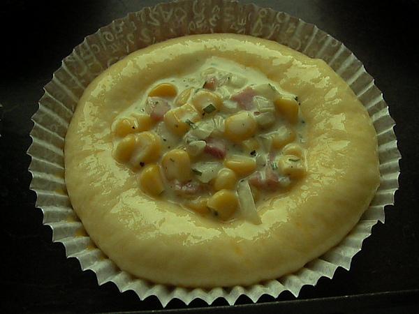 991004洋蔥玉米火腿麵包SANY0268 (2).JPG