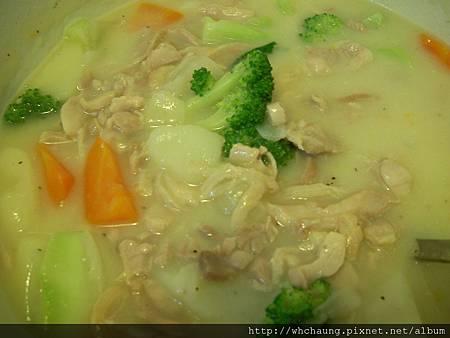 1001119雞肉奶油濃湯筆管麵SANY0259 (5).JPG