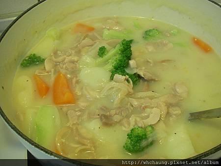 1001119雞肉奶油濃湯筆管麵SANY0259.JPG