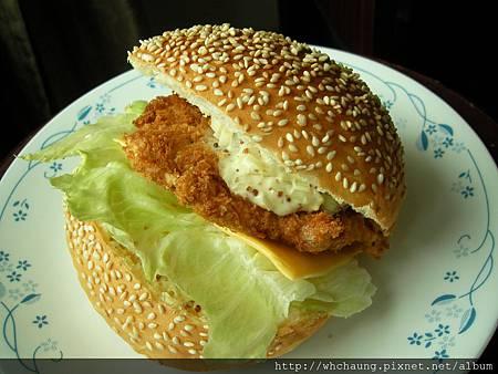 1010418香草魚大漢堡SANY0452 (1)