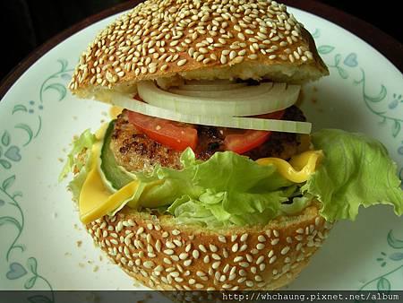 1010423豬肉大漢堡SANY0009