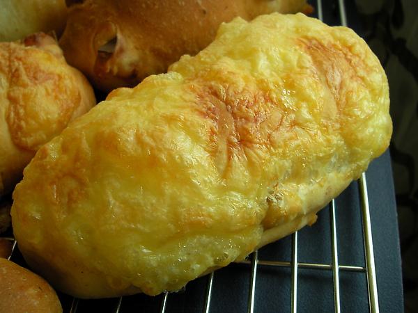 990322醃燻起士漁夫麵包SANY0670 (1).JPG