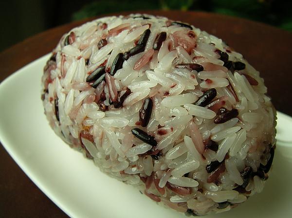 990426紫米飯糰SANY0762 (3).JPG