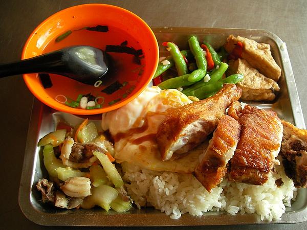 1000305志明牛肉麵午餐SANY0037 (9).JPG
