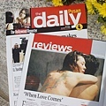 好萊塢報導封面以《當愛來的時候》作標報導