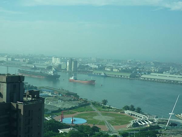 85大樓view高雄港