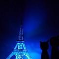 Feb. 20|巴黎鐵塔。大黑與小紅多了張景點照。
