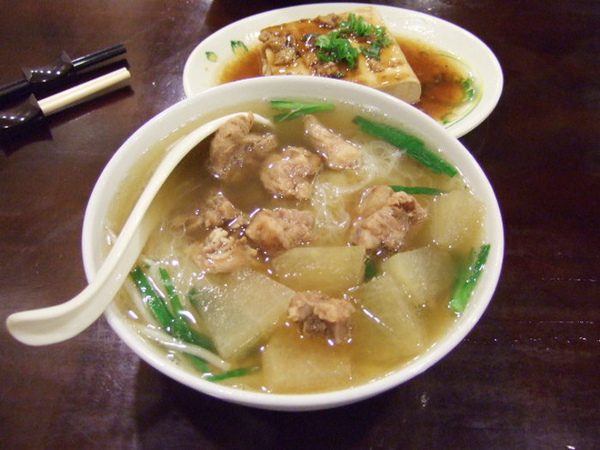 清燉排骨米粉v.s.滷豆腐