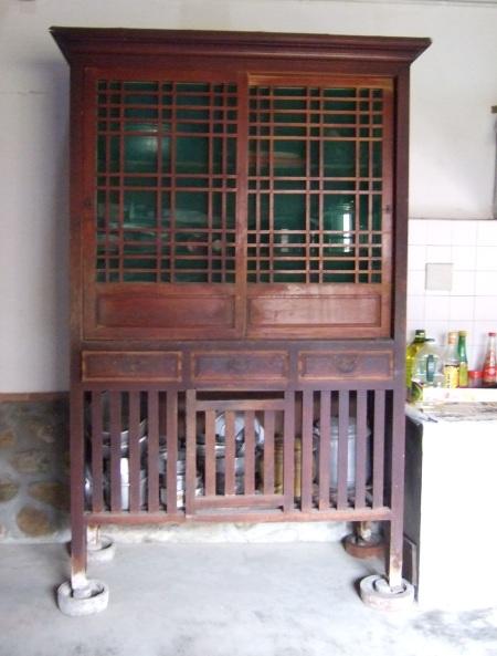 蔡泉盛號。菜櫥